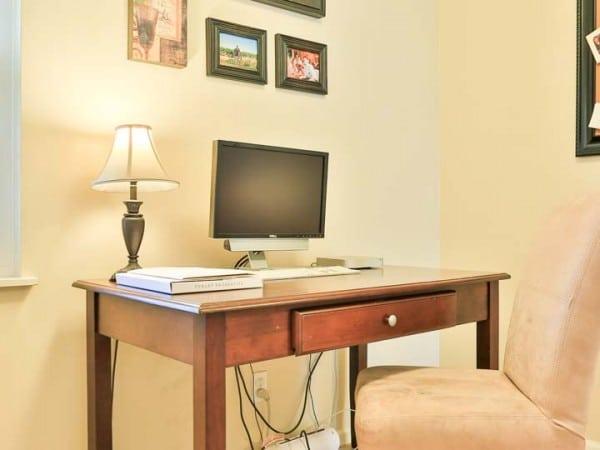 532 parkrose desk