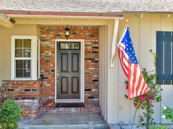 532 parkrose front door