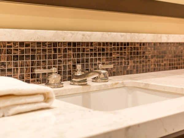 382 CA bath sink tile