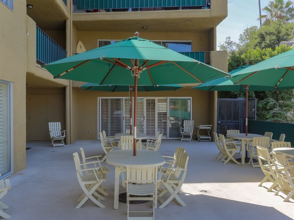 382 CA patio